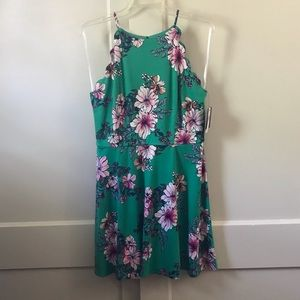 Floral Dres with Scallop Detail NWT
